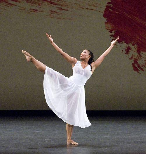 Michelle Yard in 'Twenty-seven' Photo by Gene Schiavone_resized